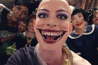 Anne Hathaway luce aterradora en el nuevo clip de The Witches