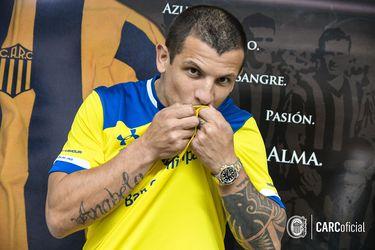 Emiliano Vecchio vuelve a Argentina: ficha en Rosario Central