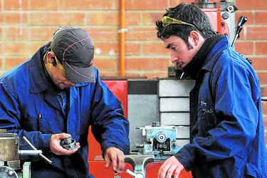 Empresas aumentan oferta de empleos, pero postulantes caen