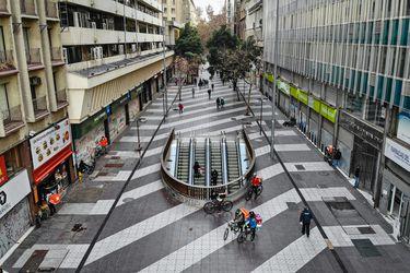 Optimismo: 7 de cada 10 chilenos confía en la reactivación de la economía y hay cambios en la percepción sobre ella