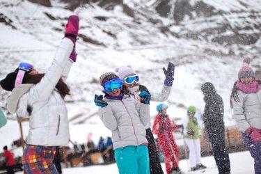 Esquí para todos: centros se unen y abren 5.500 tickets con clases y equipo a $15 mil