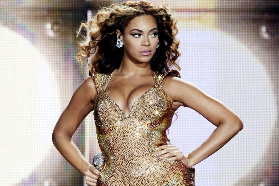 beyonce-crazy-in-love-900x600