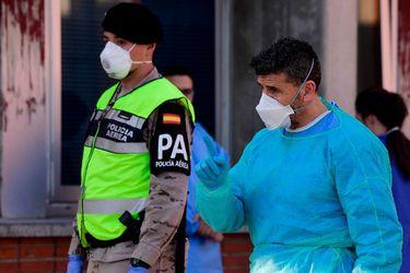 España alcanza nuevo máximo de muertes diarias, con 838 fallecidos, y llega a los 78.797 contagios