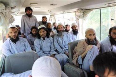 Afganistán libera a los primeros 80 presos talibán de los 400 exigidos para iniciar el proceso de paz