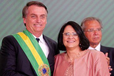 """""""Elegí esperar"""": la polémica propuesta de la ministra de la Mujer de Bolsonaro para prevenir el embarazo adolescente"""