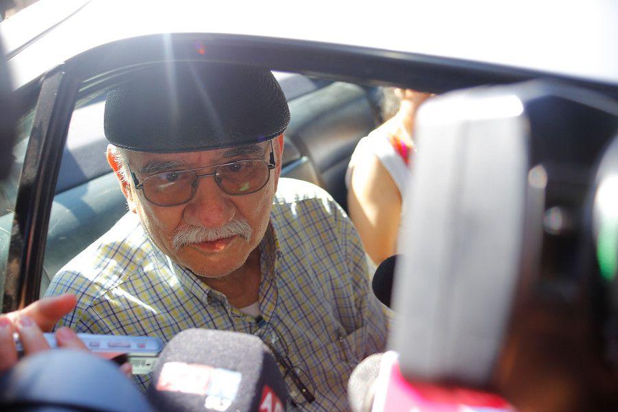 Tito Fernandez se retira del cuartel de delitos sexuales de la PDI, luego prestar declaración por mas de cinco en el cuartel ubicado en Williams Rebolledo, dando declaración a la prensa a su salida.