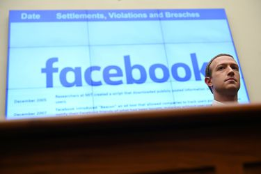 Nuevo denunciante acusa a Facebook de anteponer ganancias sobre moderación de contenidos problemáticos