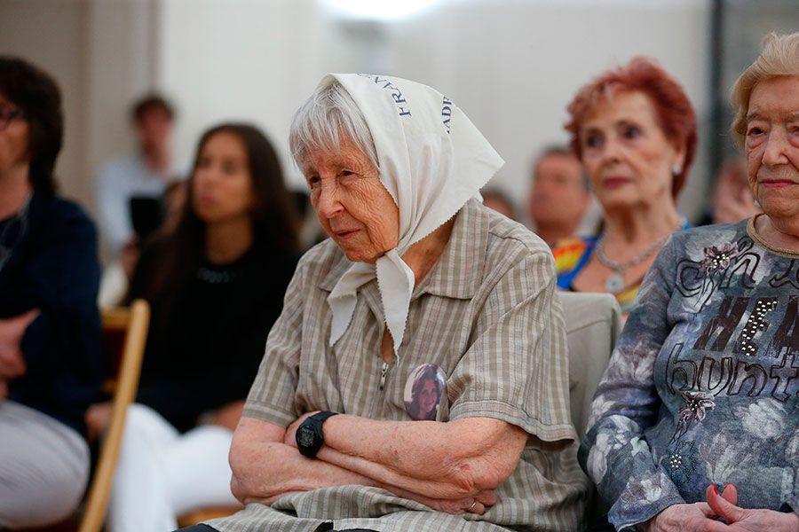 Homenaje víctimas españolas