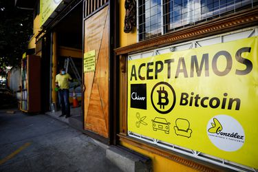 Pesos… bitcoin o dólar