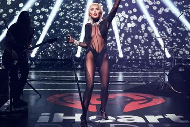 Heart of Glass: Miley Cyrus en la piel de Blondie