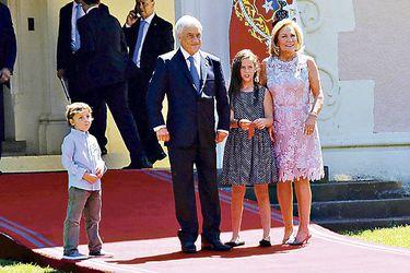 Nietos del Presidente Sebastián Piñera juegan en Cerro Castillo
