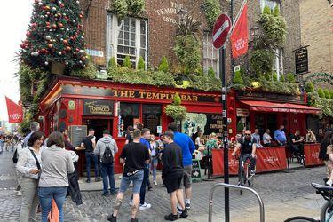 Irlanda recobra vida con la reapertura de sus tradicionales pubs