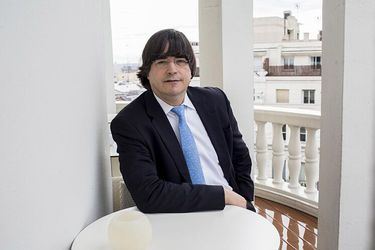 Etiqueta Jaime Bayly La Tercera Spending too much time in soccer games at school, his low academic performance forced his mother to send him to 'la prensa' newspaper in order to get more. etiqueta jaime bayly la tercera