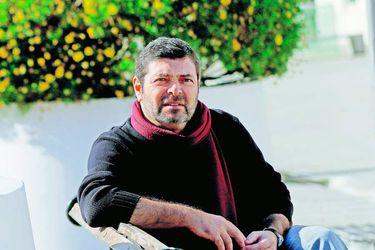Carlos-Ruiz-24-900x600