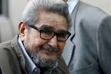 Congreso de Perú aprueba ley para cremar cadáver de líder de Sendero Luminoso, Abimael Guzmán