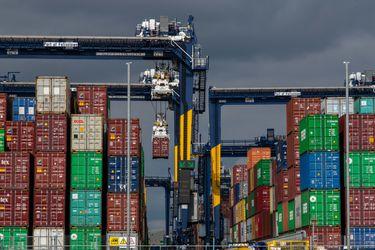"""""""Containergedón"""": crisis de suministro lleva a Walmart y rivales a contratar sus propios barcos"""