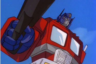 Optimus Prime luce perfecto en la película de Bumblebee