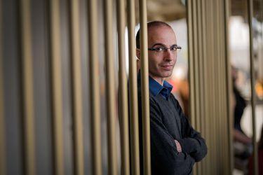La evolución de Sapiens: Yuval Noah Harari publica un cómic y prepara serie de TV