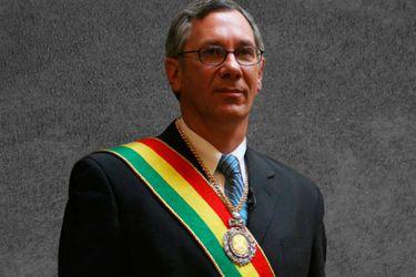 Renuncia delegado de Bolivia en La Haya que atendía juicio contra Chile