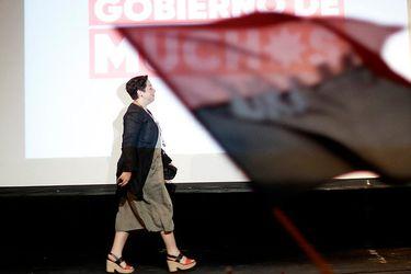 """""""La dejaron muy sola"""": Los porqué de la probable caída de la opción presidencial de Beatriz Sánchez"""