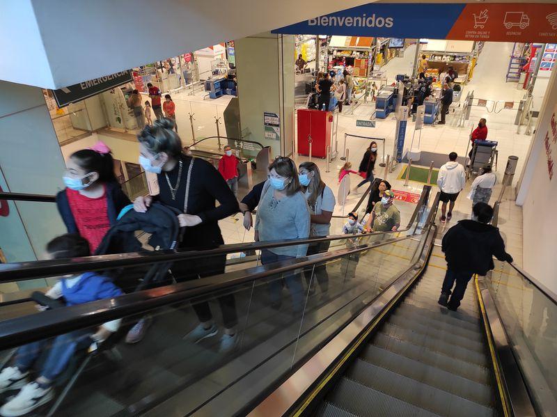 Confianza del consumidor anota quinta alza consecutiva y llega a niveles previos al estallido social