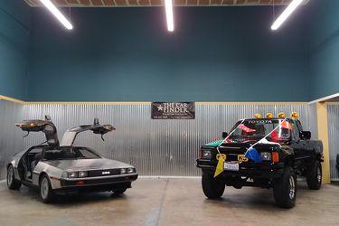 ¿Fanático de Volver al Futuro? A remate un DeLorean y la camioneta de Marty McFly