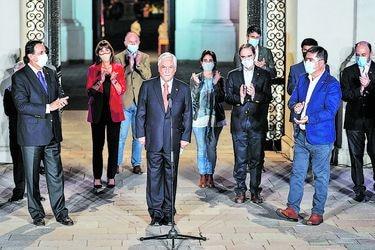Después de anoche: La misión urgente de Piñera por tratar de unir a la derecha y dejar atrás la pugna por el plebiscito