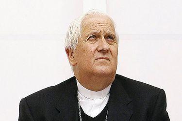 Obispo Alejandro Goic es internado tras sufrir infarto