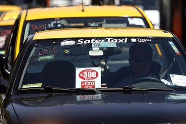 Se congela el parque automotor de taxis en Chile hasta 2025