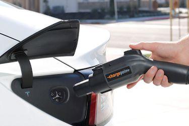 California prohibirá la venta de autos con motor a combustión a partir de 2035