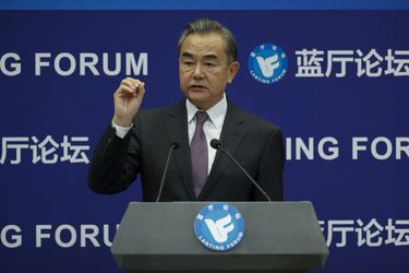 """China insta a no """"agravar el desastre"""" del coronavirus tras acusaciones de EE.UU."""