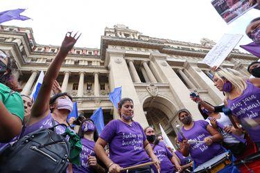 Día Internacional de la Mujer en el mundo se viene con concentraciones virtuales y marchas con aforo reducido