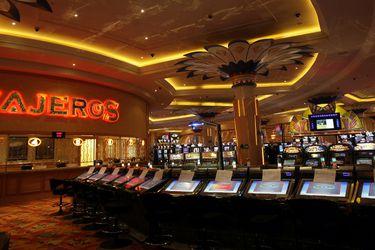 Tribunal paraliza otra licitación de casinos: ordena suspensión de proceso que involucra a Monticello
