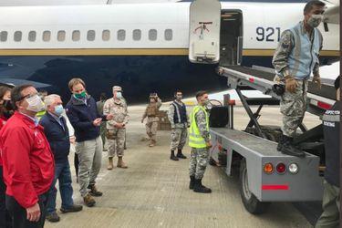 Ministro Paris entrega ventiladores mecánicos y visita residencias sanitarias en Arica