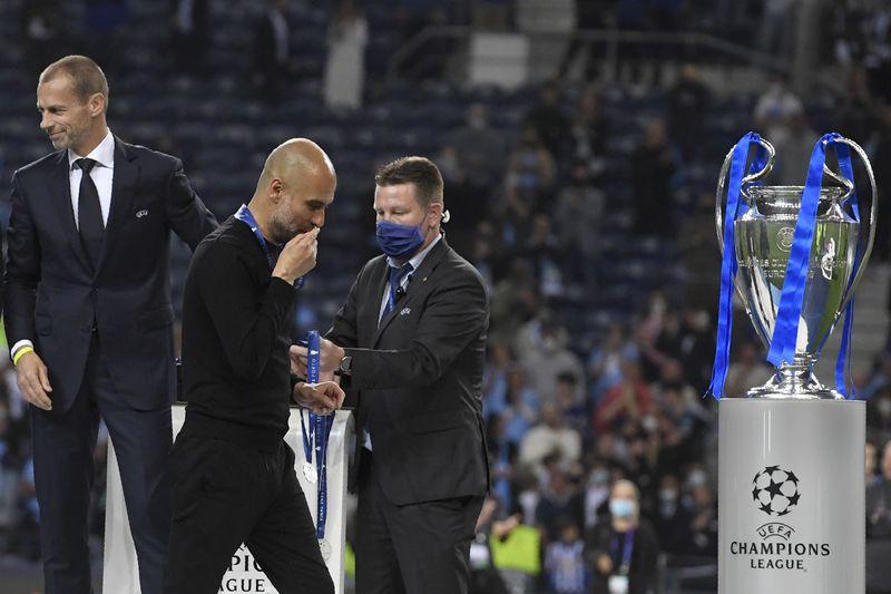 La prensa internacional llena de críticas a Josep Guardiola por la táctica y estrategia mostrada en la final de la Champions League.