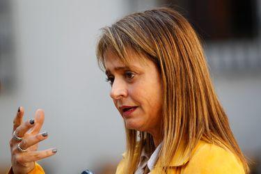 """Presidenta UDI por reducción de jornada laboral: """"No veo por qué el gobierno tiene que ponerse de rodillas ante los comunistas"""""""