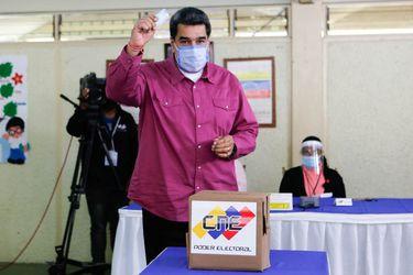 """Maduro asegura que Venezuela aspira a """"reconstruir las relaciones"""" con Estados Unidos"""