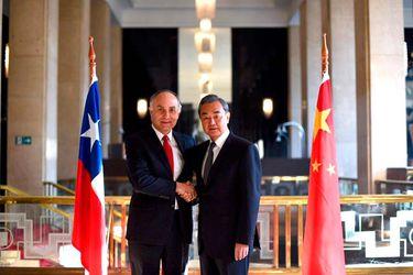 Canciller-Ribera-con-Ministro-de-Relaciones-Exteriores-de-China