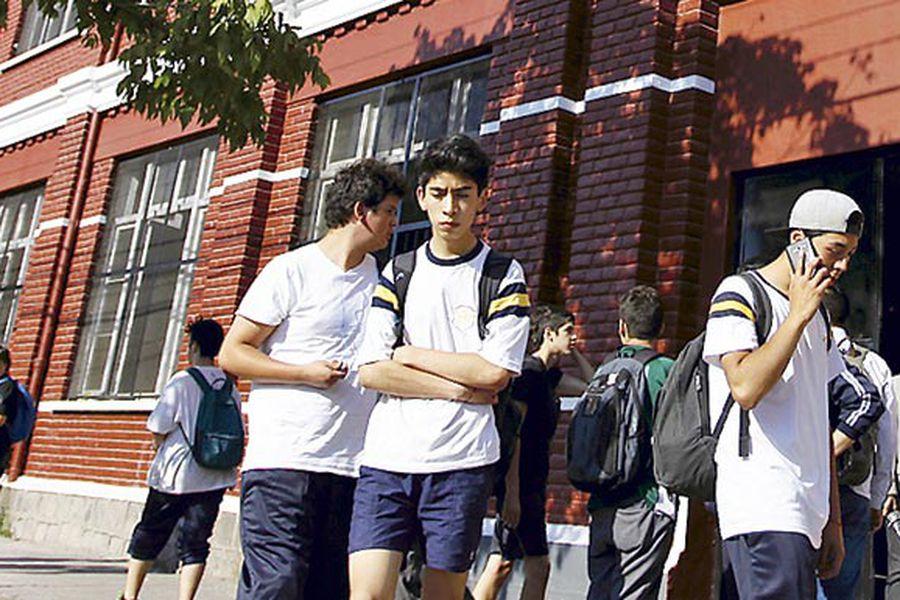 imagen-salida-colegio-barros-borgono0437