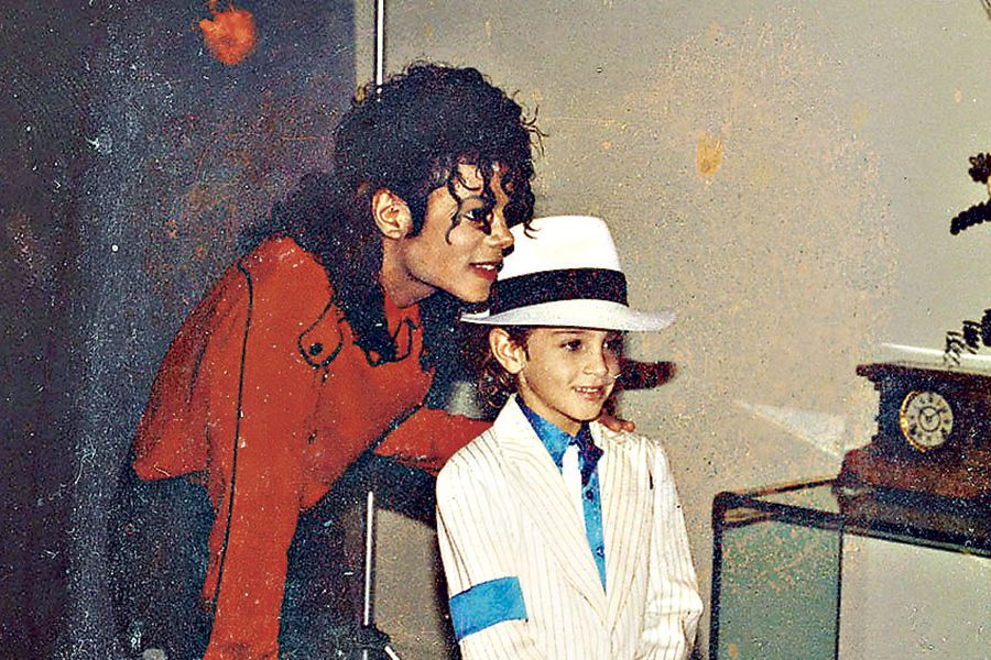 Leaving Neverland WEb
