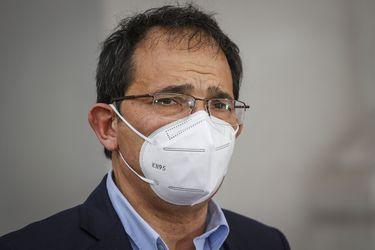 Asociación de funcionarios del INDH anuncia paro y exigen renuncia de Sergio Micco