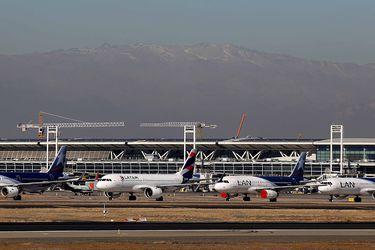Aeropuerto de Santiago profundiza caída de tráfico de pasajeros en mayo