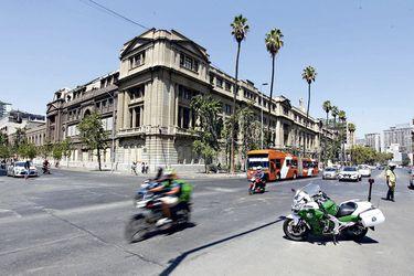 """""""Superlunes"""" de marzo: Transportes identifica 24 puntos críticos en Santiago"""