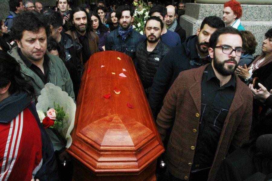 Rinde un homenaje al fallecido dramaturgo Juan Radrigán