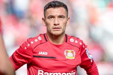 Charles Aránguiz se pierde el duelo entre el Leverkusen y el Augsburgo por un cuadro gripal