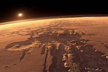"""Inundaciones """"repentinas y violentas"""": estudio revela el tortuoso pasado de Marte que modeló su superficie"""