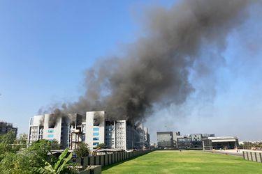 Se registra un incendio en la sede del mayor fabricante de vacunas del mundo en India