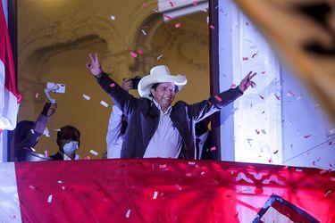Jurado Nacional de Elecciones proclama a Pedro Castillo como Presidente electo de Perú