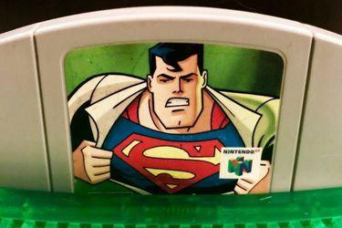Perdió una apuesta con su amigo y por eso ha jugado 300 veces Superman 64