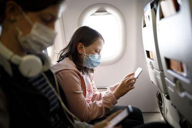¿Es seguro viajar en avión durante la pandemia?